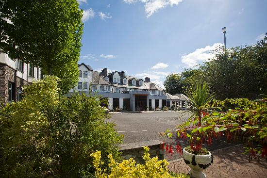 Twin Trees Hotel: Downhill House hotel