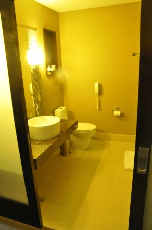 The Orlando Hotel: Bathroom