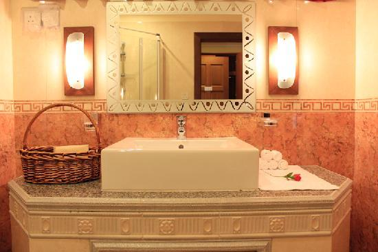 Cerulean View Boutique Hotel: Bathroom
