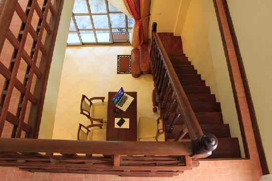 Cerulean View Boutique Hotel: Stairs