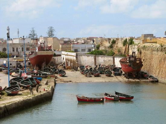 Cité Portugaise : Porto , navi in costruzione