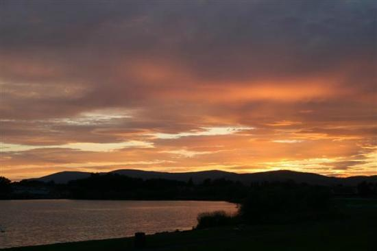 Loch Leven Heritage Trail: Sunset over Loch Leven at the end of a great day
