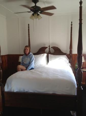 Nags Head Beach Inn: Comfortable bed!