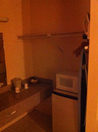 Super 8 Florida City/Homestead: lavabo