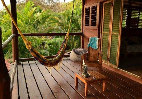 Funky Monkey Lodge: Balcony and Hammock