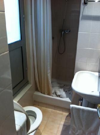Hotel Le Malown: bathroom