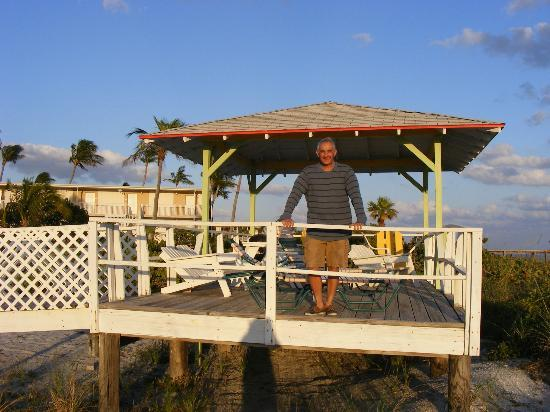 Beachview Cottages: Author, Tony at the gazebo at the edge of the property.