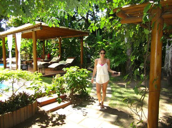 Pousada Quarto Crescente: the lush grounds