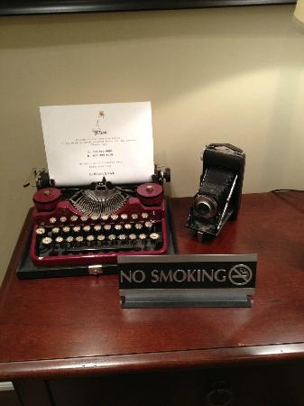 Newsroom Suites: Type writer :)