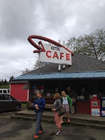 Otis Cafe: Located off Hwy 18 north side of the road