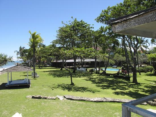 Morabito Art Villa: View from the Beach House