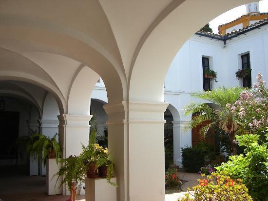 Barcelo Punta Umbria Beach Resort: Claustro del monasterio de La Rábida.