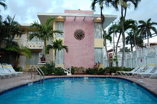 The Worthington Guest House: 2nd pool 2012