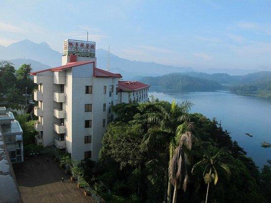Sun Moon Lake Teachers Hostel: Blick