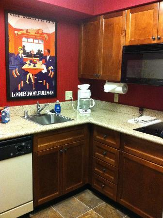 Residence Inn Springdale: Kitchen