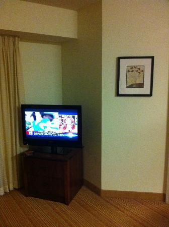 Residence Inn Springdale: Living room TV