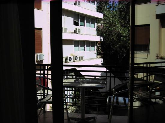 Kimon Athens Hotel: Part of the balcony