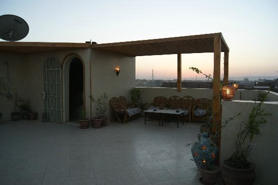 LuxorLife Apartments: roofterras