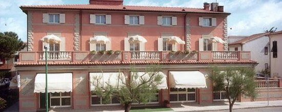 Marina di Castagneto Carducci, Italy: excellent hotel and good dining