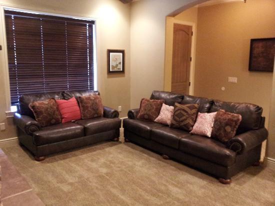 Coral Springs Resort : Living Room