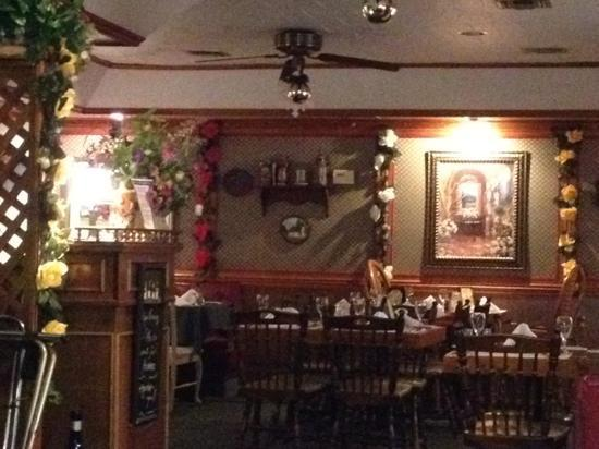 Karlings Inn: Dining Room View