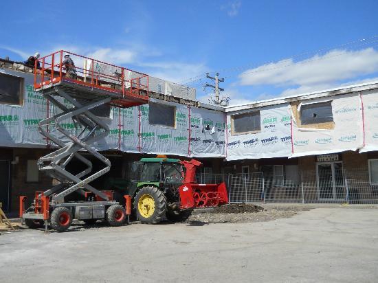 Days Inn Montreal East: Under construction!