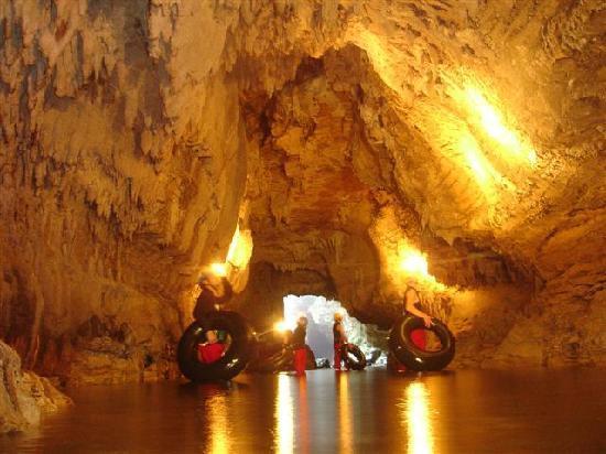 Kiwi Cave Rafting