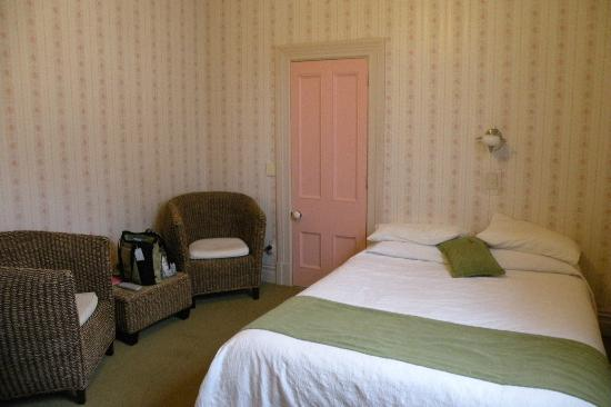 """Pink Villa"" Room at Warkworth Lodge"