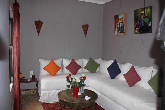 Dar Silsila: Living room in our suite