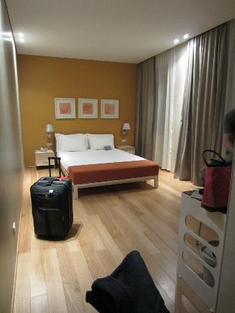 Best Western Plus Hotel Bologna: Nice Lights, Sound System U0026 TV Channels