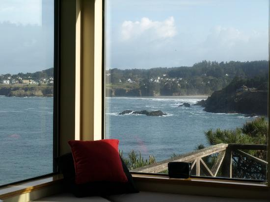 Cypress Cove at Mendocino: View of Mendocino Bay, Pacific Ocean, and Big River Beach from the room