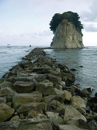 Mitsukejima Island: С носа.