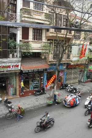 Hanoi Rendezvous Hotel: View from Balcony on First Floor