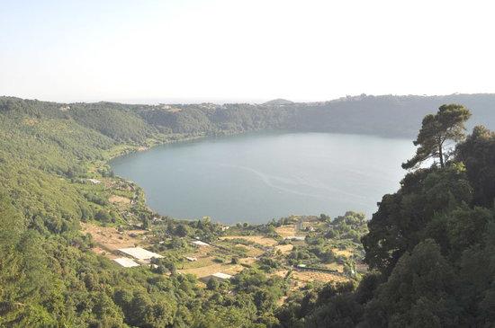 La Regina del Lago Casa Vacanze: getlstd_property_photo