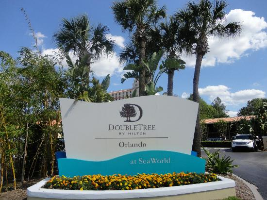 front entrance picture of doubletree by hilton orlando. Black Bedroom Furniture Sets. Home Design Ideas