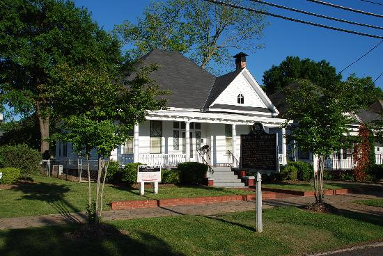 Dexter Parsonage Museum - Dr. Martin Luther King home張圖片