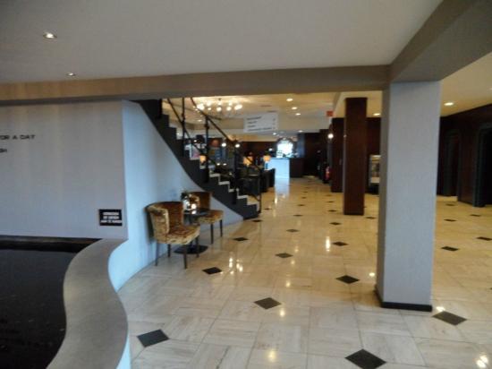 Van der Valk Hotel Stein-Urmond: Posh lobby