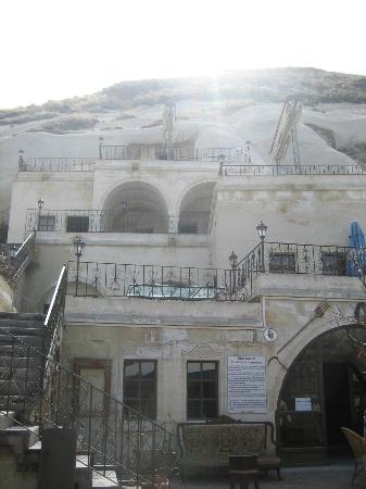 Lalezar Cave Hotel: Hotel front