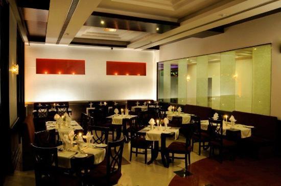 Citrus Manali Resorts : Dawat - A multi-Cuisine Restaurant at Manali Resorts, Manali