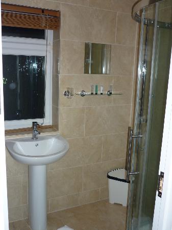 Macy's Hotel: salle de bain de la chambre n°5