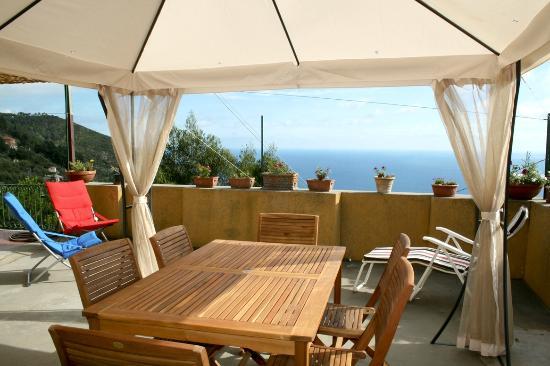 Gazebo Per Terrazze Foto.Terrazza Vista Mare Con Gazebo Foto Di Brezza Di Mare