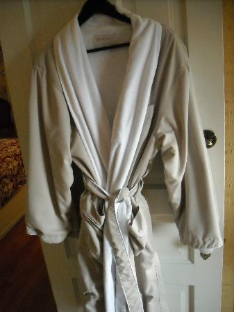Rivertown Inn: Two luxurious robes included for your use