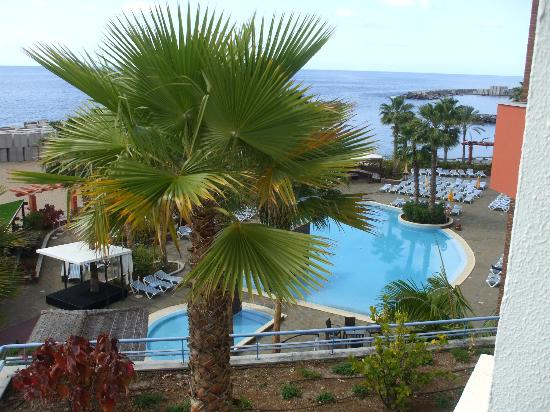 Savoy Calheta Beach: The pool