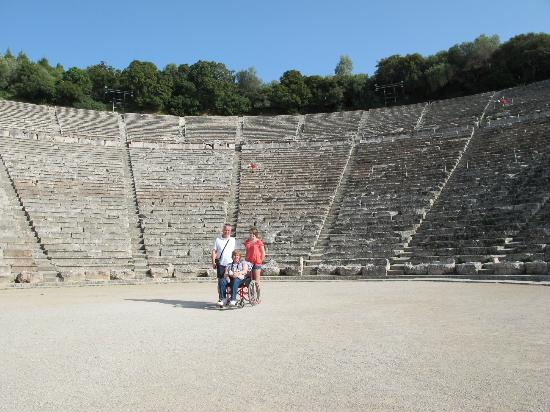 Christianakis Private Transfers & Day Tours : Epidavros