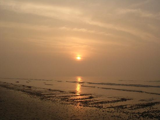 Mandarmani Beach: sunrise at beach