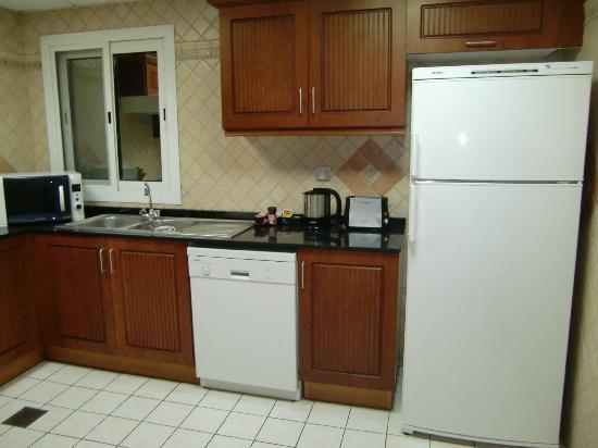 Rose Garden Hotel Apartments - Bur Dubai: cocina