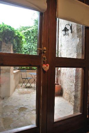 ลา เรสิเดนซา ได คัปปุคชินี: Cortiletto esterno