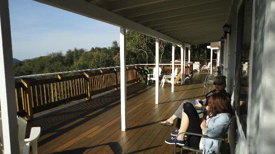Sierra Mountain Lodge - Yosemite: Relaxing on the deck, watching the sun come up - I wish I was back there now