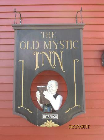 The Old Mystic Inn: Front of the Inn