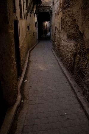 Riad Laayoun: Typical Fez souk